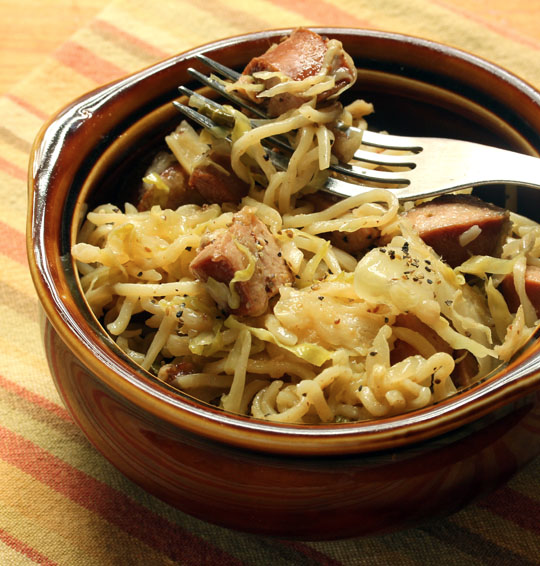 Alsatian sausage, cabbage and noodles, with a twist: a ramen twist!