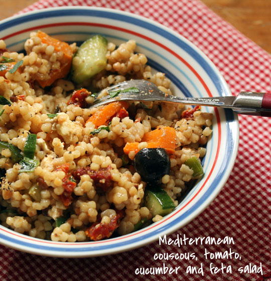 Mediterranean couscous, tomato, cucumber and feta salad: a trip around the Med without leaving home!