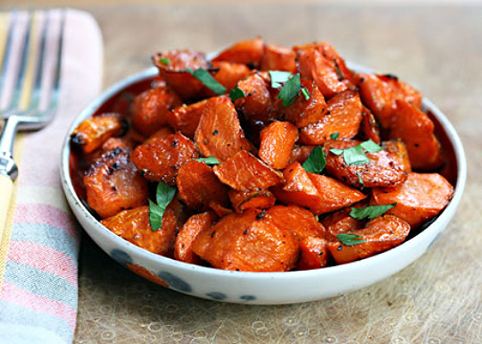 Roasted carrots taste like candy! #vegan #glutenfree