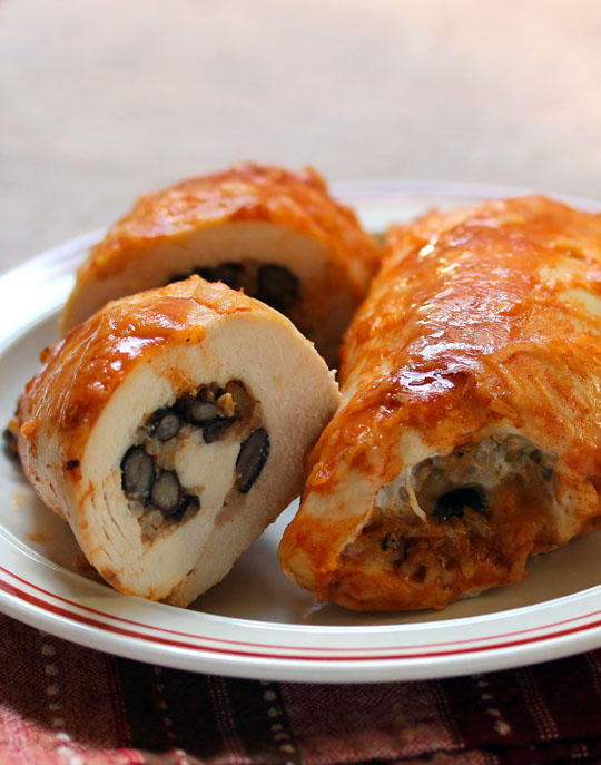 Chicken enchilada roll-ups, filled with black beans and rice. Make ahead and freeze. #glutenfree