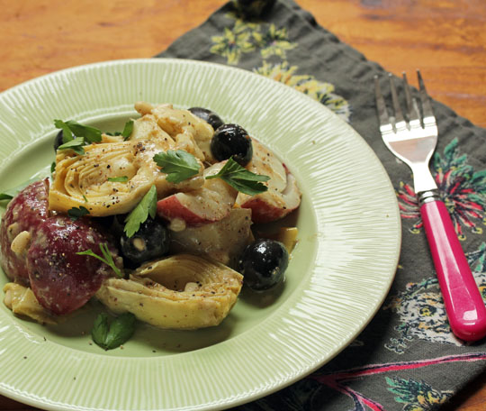 Pair this easy potato and artichoke salad with any meat or fish you cook on the grill. Perfect! #glutenfree