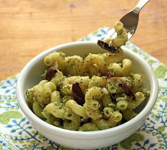 Pasta with pesto, cheese and olives: a great vegetarian main course for Meatless Mondays.