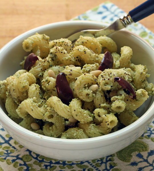 Use your favorite twisty pasta, white or wheat, for this pasta with pesto, cheese and olives. Perfect for Meatless Mondays. #vegetarian