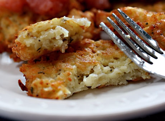 Latkes (potato pancakes): appetizer, side dish, or main course. #vegetarian