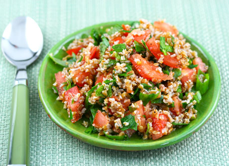 Tabbouleh, a salad of bulgur wheat, tomato and parsley. #vegan