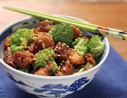 A restaurant favorite that's so easy to make at home! General Gao's chicken. #glutenfree
